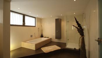 Bad ohne Fliesen, fugenlose Bad, Moderne Badgestaltung